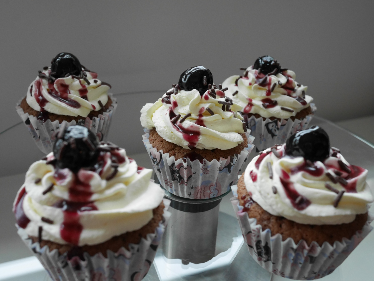 Black Forest Cupcakes | [sweet) Kitchen Science